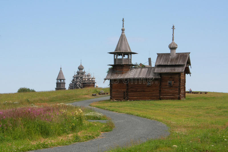 Kyrkor på den Kizhi ön royaltyfri fotografi