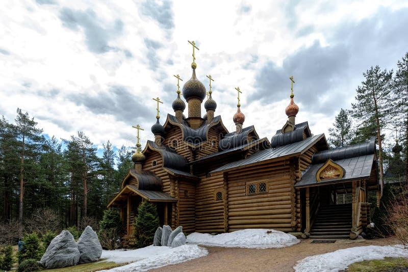 Kyrktaga allra ryska helgon, Sosnovo, den Leningrad regionen, Ryssland arkivbilder