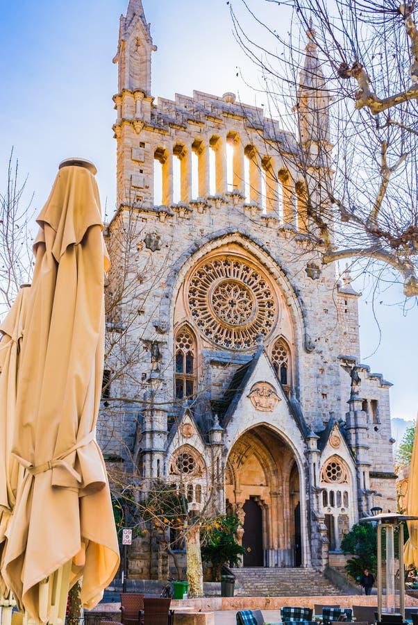 Kyrktaga i Soller, härlig gotisk barockkyrka på Majorca, Spanien royaltyfri bild