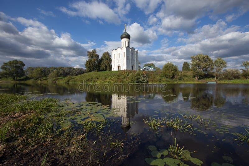 kyrktaga intercessionnerl Ryssland royaltyfri bild
