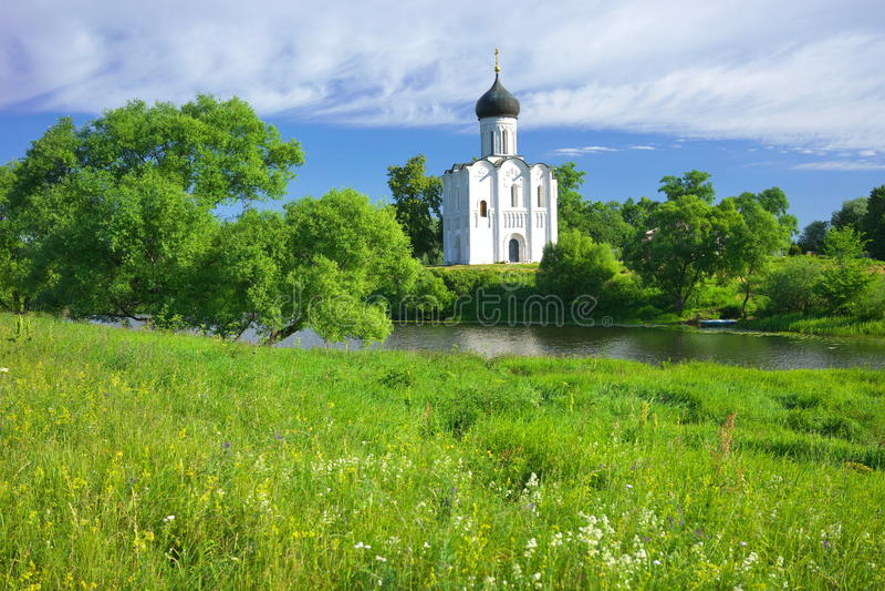 kyrktaga intercessionnerl Ryssland byn Bogolyubovo royaltyfri fotografi