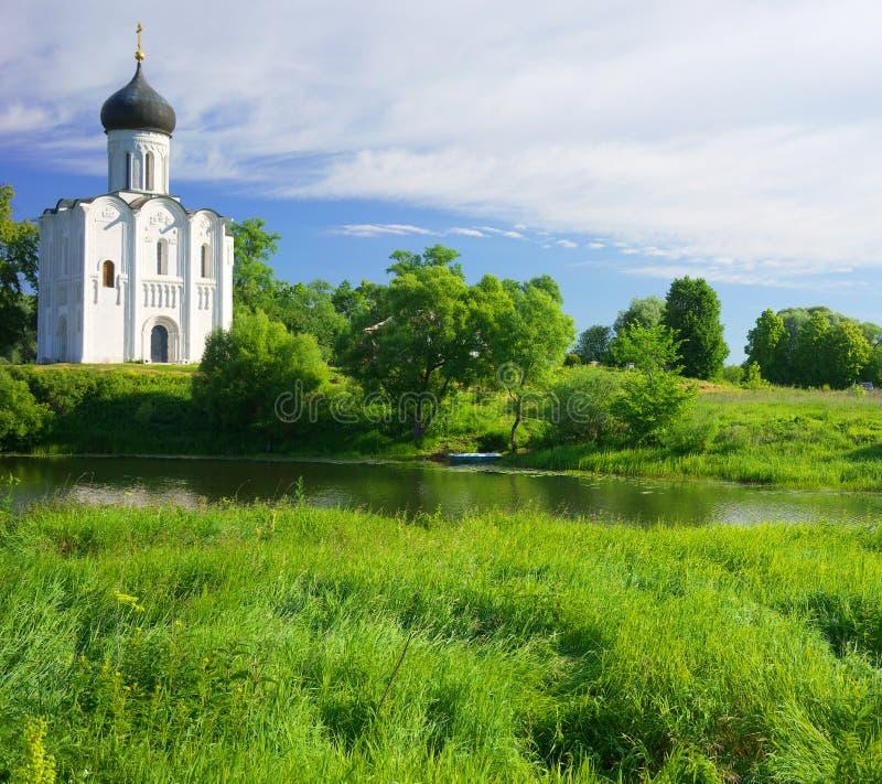 kyrktaga intercessionnerl Ryssland byn Bogolyubovo royaltyfria bilder
