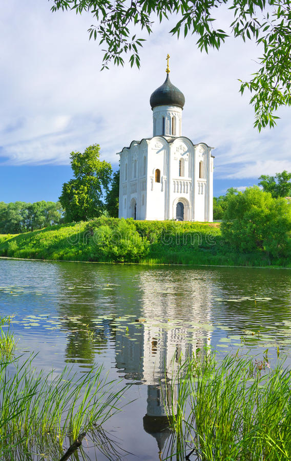 kyrktaga intercessionnerl Ryssland byn Bogolyubovo royaltyfria foton