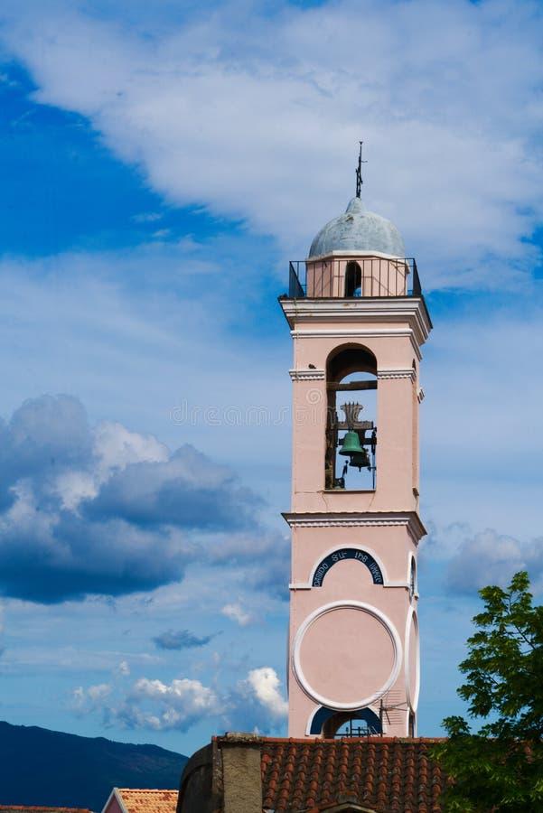 Kyrktorn av Corti, Korsika royaltyfri fotografi