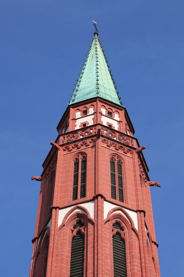 Kyrktorn av den gamla Nicolai kyrkan, Frankfurt arkivbilder