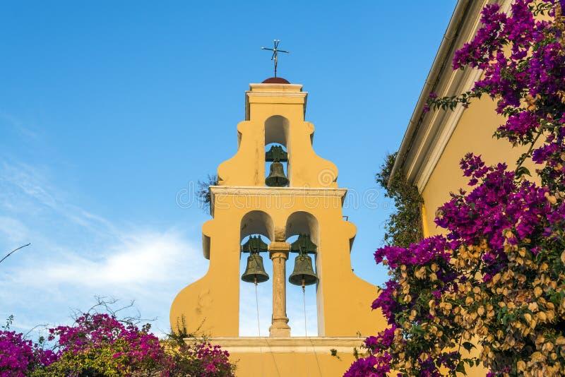 Kyrktorn av Paleokastritsa den ortodoxa kyrkan fotografering för bildbyråer