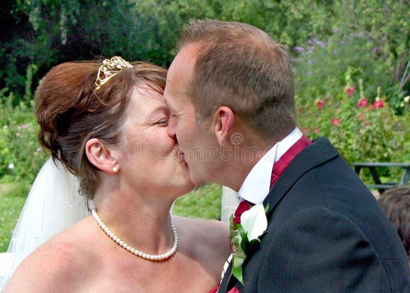 kyssförälskelse s arkivbild