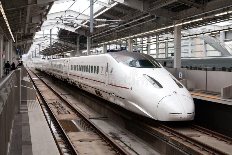Kyushu Shinkansen trem de bala de 800 séries foto de stock royalty free