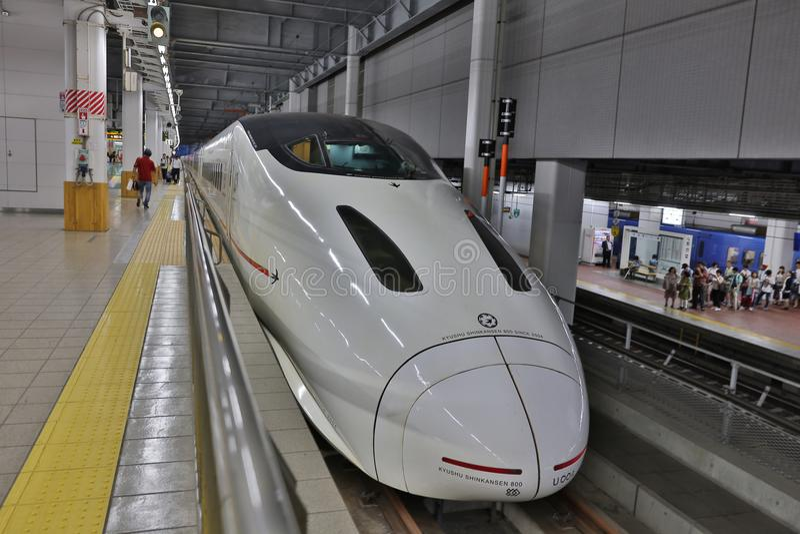 Kyushu Shinkansen trem de bala de 800 séries fotografia de stock royalty free