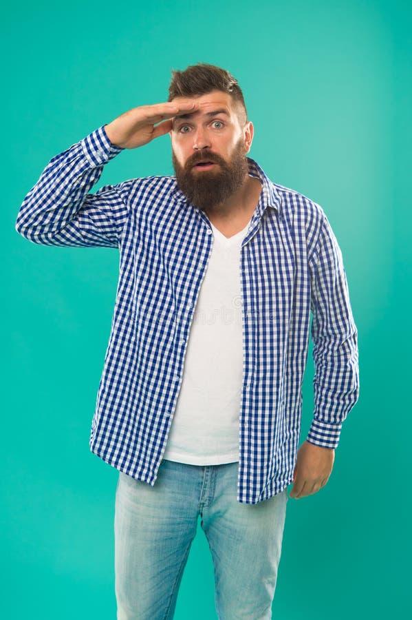là ce qui Homme regardant en avant avec la main près du fond de turquoise de front Concept prévoyant Comment s'améliorer photos stock