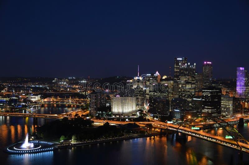 Là où les rivières se réunissent à Pittsburgh photographie stock