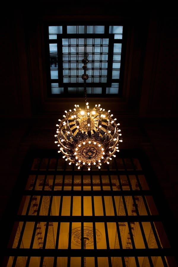 Lámpara central magnífica imagen de archivo