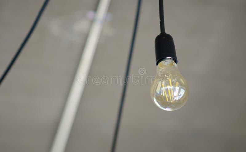 Lámpara con los alambres imagen de archivo libre de regalías