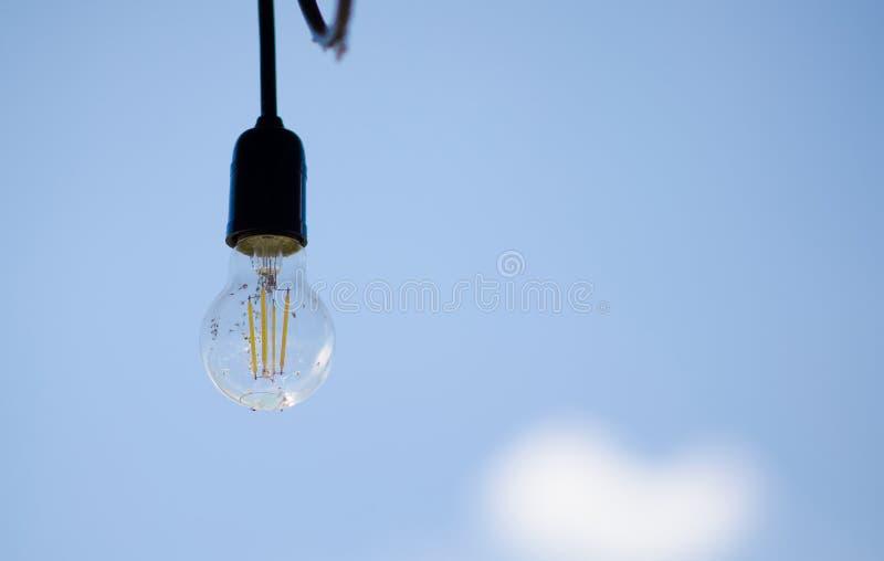 Lámpara con los alambres imagen de archivo