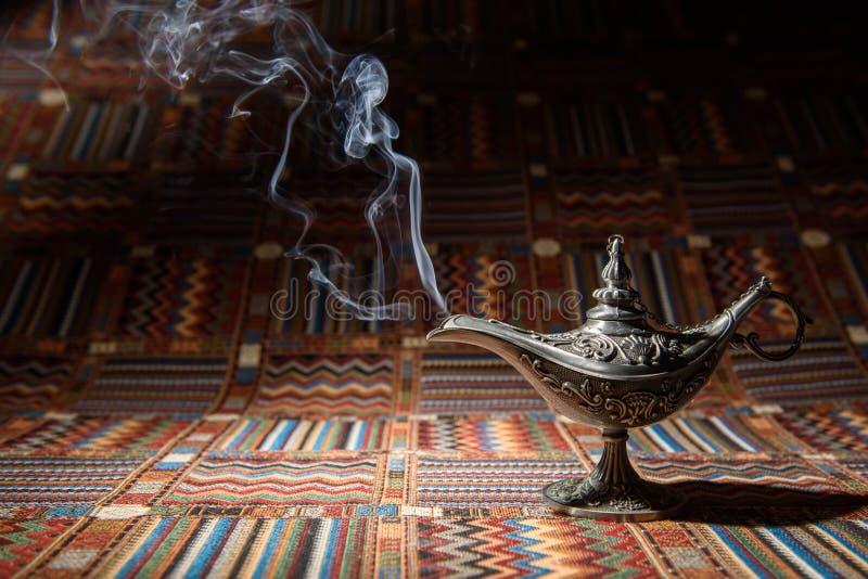 Lámpara de aceite de Aladdin foto de archivo