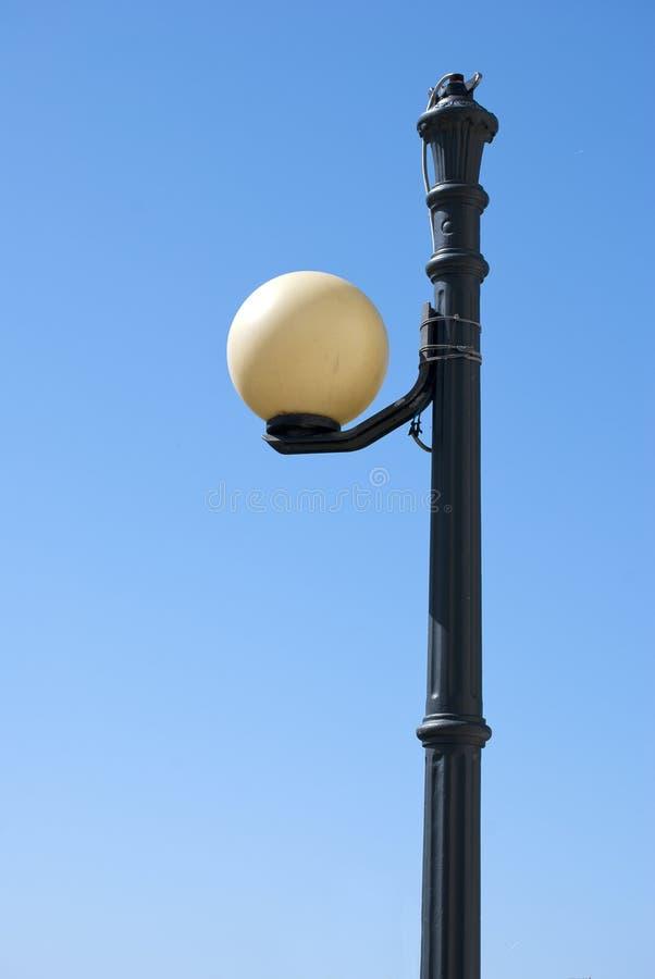 Lámpara de calle de la bola imágenes de archivo libres de regalías