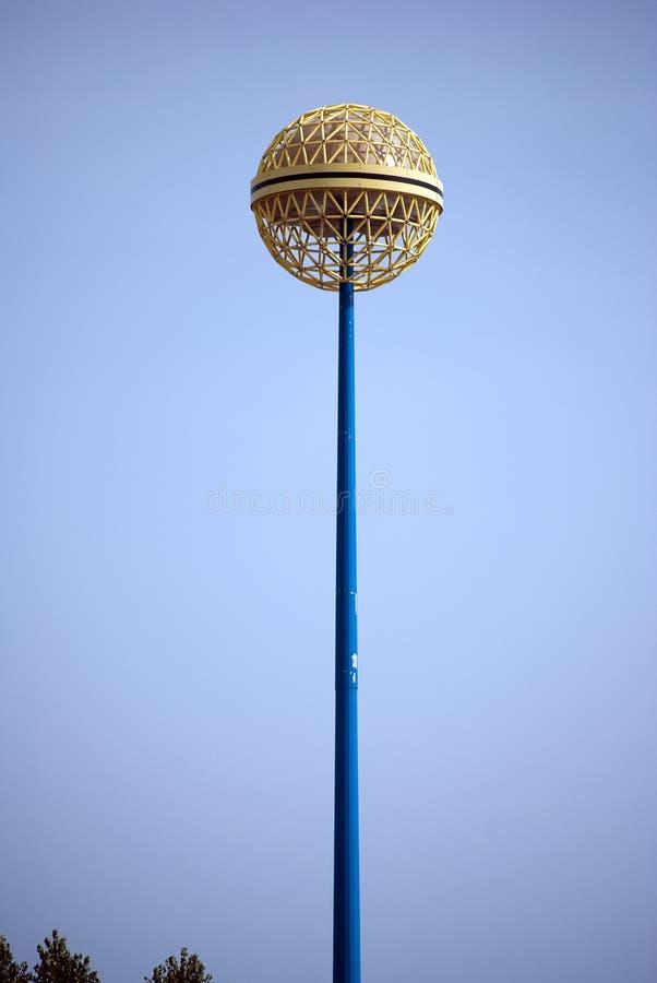 Lámpara de calle de la bola fotografía de archivo