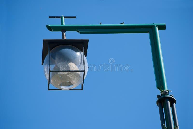 Lámpara de calle de la bola imagen de archivo