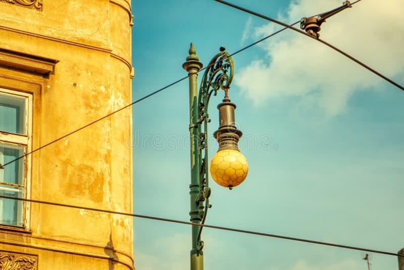 Lámpara de calle del vintage en Praga imágenes de archivo libres de regalías