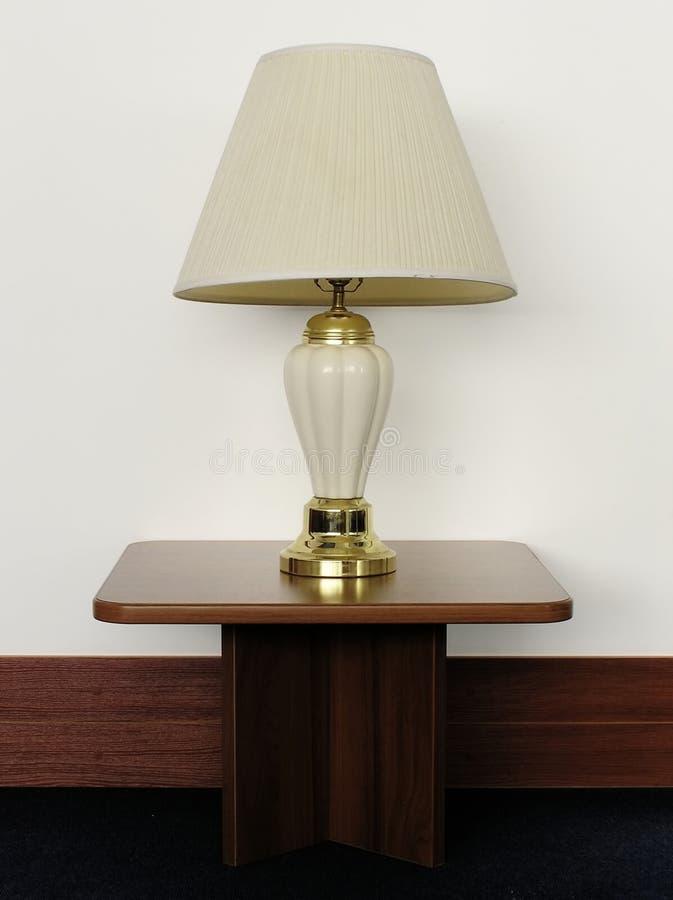 Lámpara de escritorio vieja en el vector imagenes de archivo