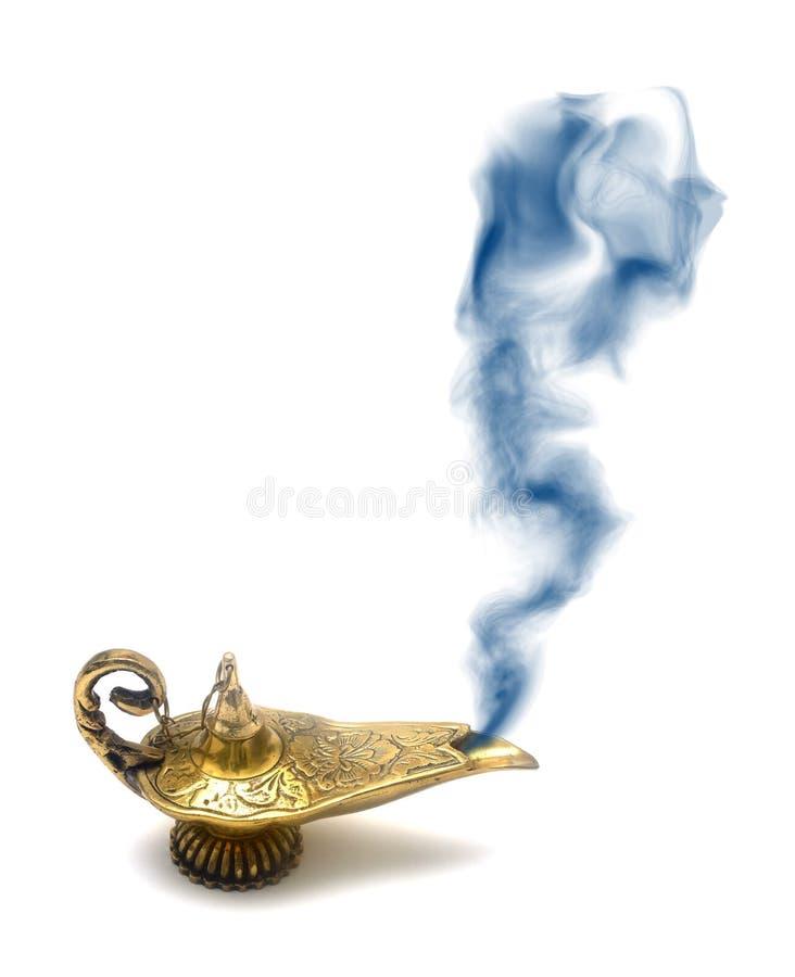 Lámpara de los genios que fuma fotografía de archivo