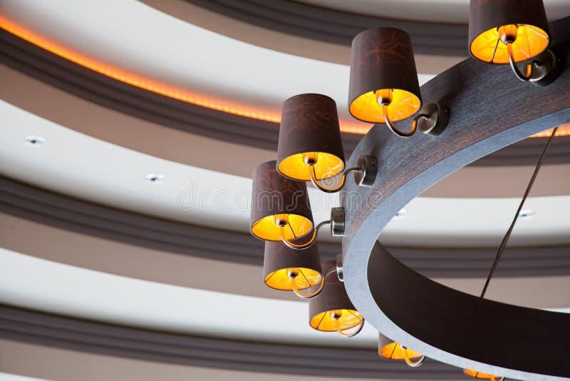 Lámpara de madera imagenes de archivo