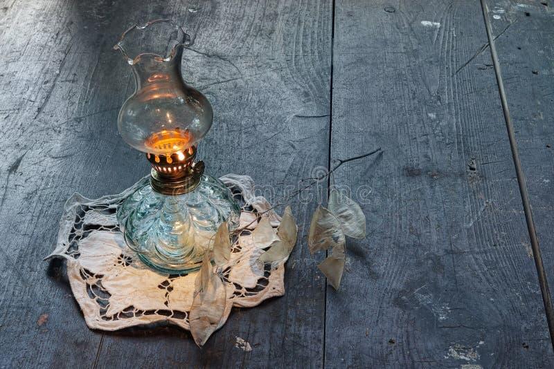 Lámpara de aceite antigua del vintage fotografía de archivo libre de regalías