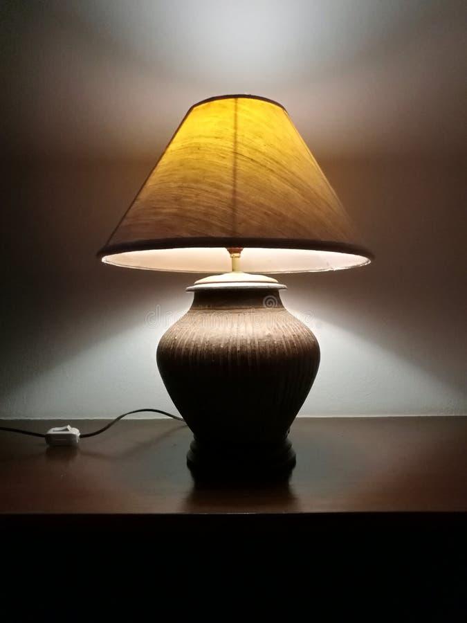 Lámpara decorativa de habitaciones para uso nocturno imágenes de archivo libres de regalías
