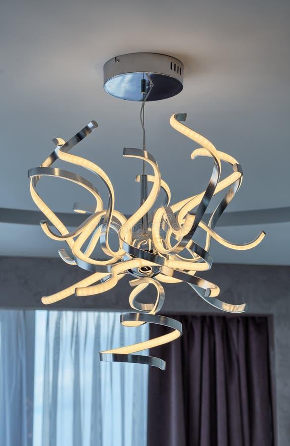 Lámpara del LED en sala de estar moderna fotografía de archivo