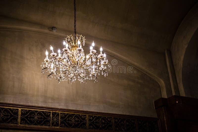 Lámpara en iglesia imágenes de archivo libres de regalías