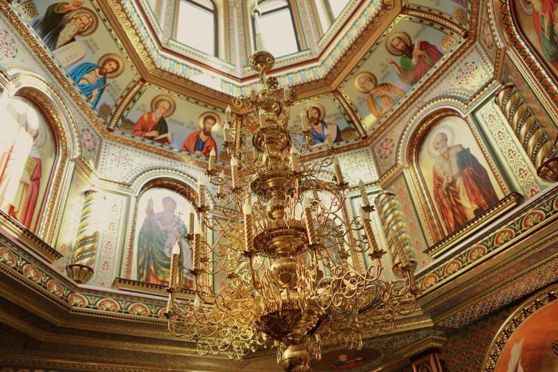 Lámpara en la bóveda de la iglesia fotos de archivo libres de regalías