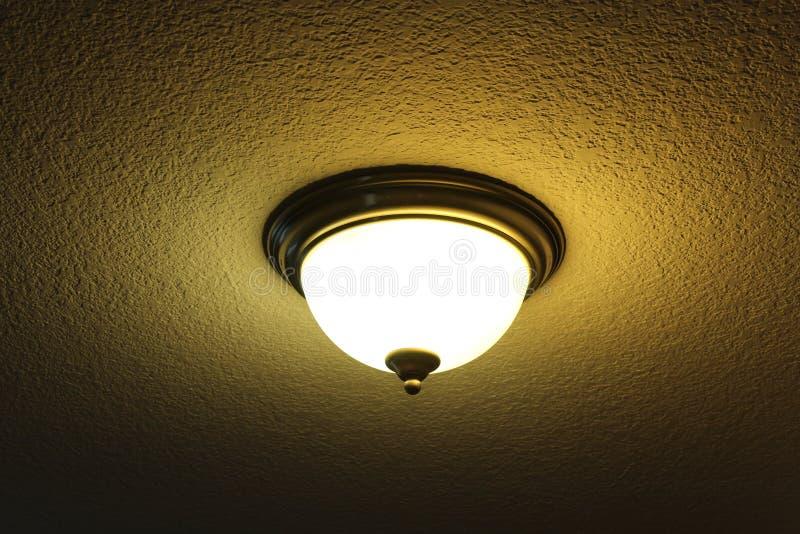 Lámpara interior abstracta con efecto de sombra imagenes de archivo