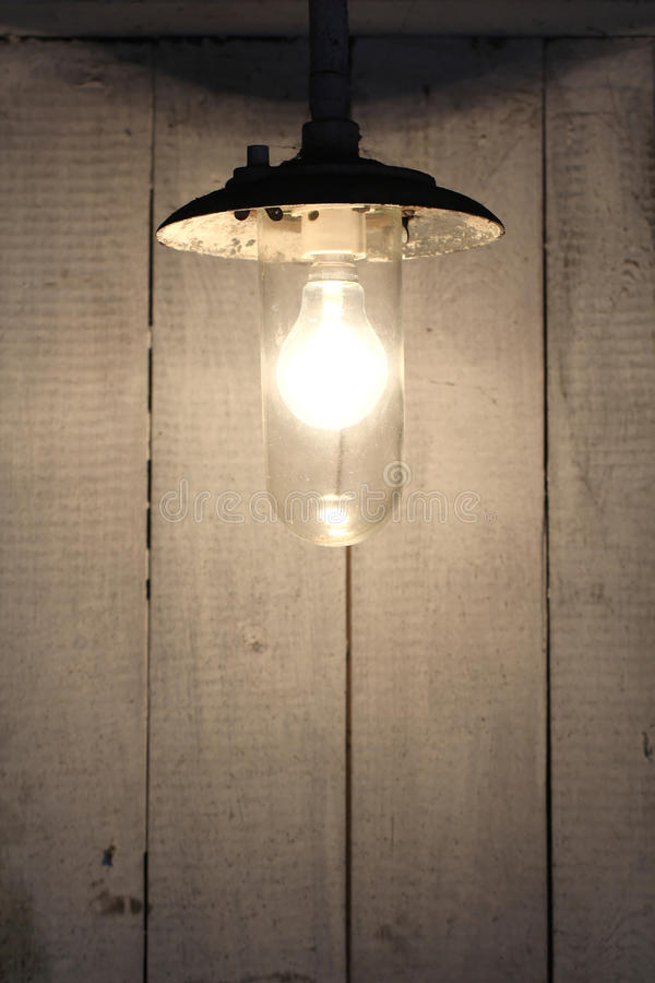 Lámpara oxidada del bulbo del viejo vintage fotografía de archivo