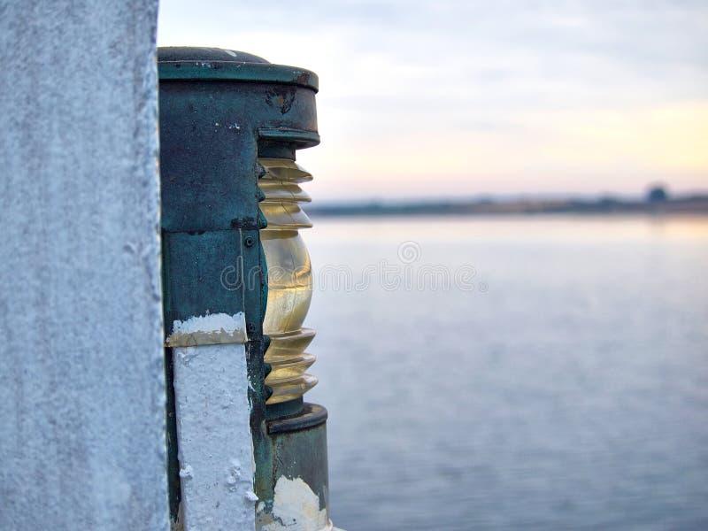 Lámpara tradicional de la linterna de la nave del barco imágenes de archivo libres de regalías
