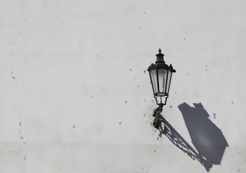 Lámpara y sombra fotografía de archivo libre de regalías