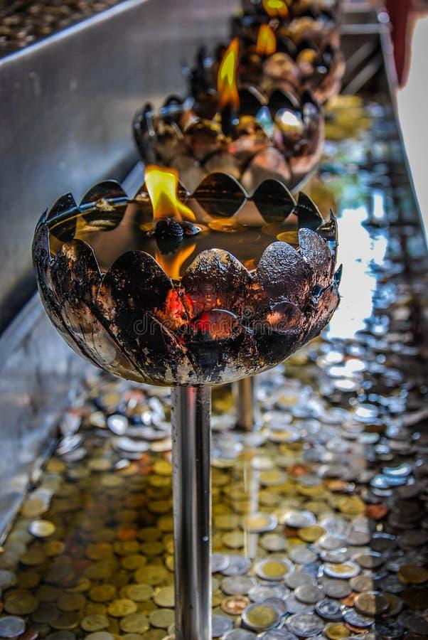 Lámparas de aceite Buda imagen de archivo libre de regalías