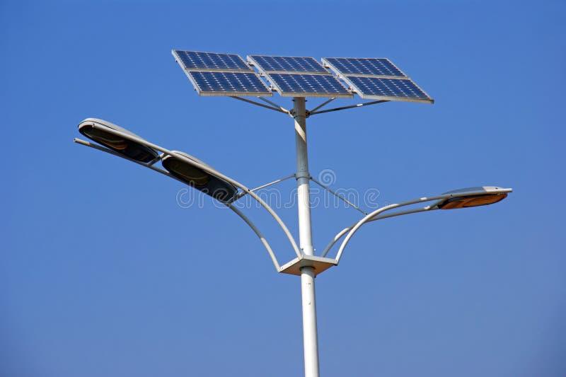 Lámparas de calle solares fotografía de archivo