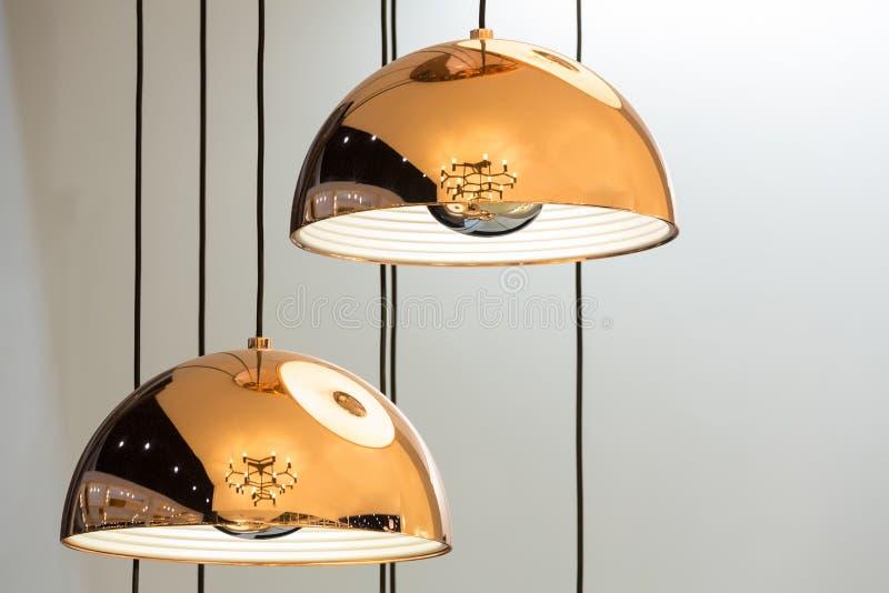 Lámparas modernas del bronce del estilo stock de ilustración