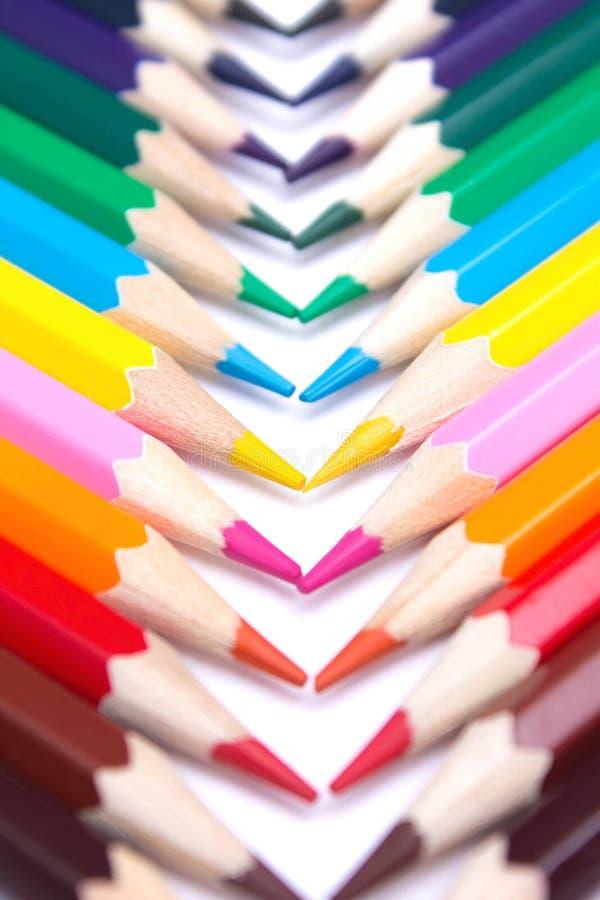 Lápices coloreados en un fondo aislado foto de archivo libre de regalías