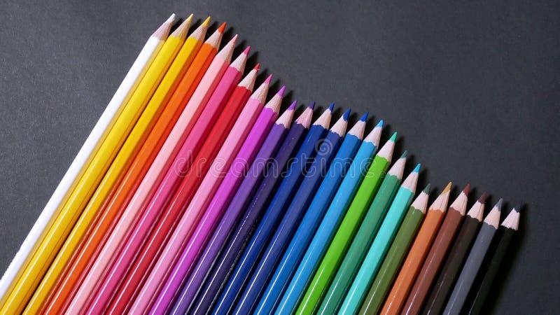 Lápices coloridos clasificados del color fotos de archivo libres de regalías