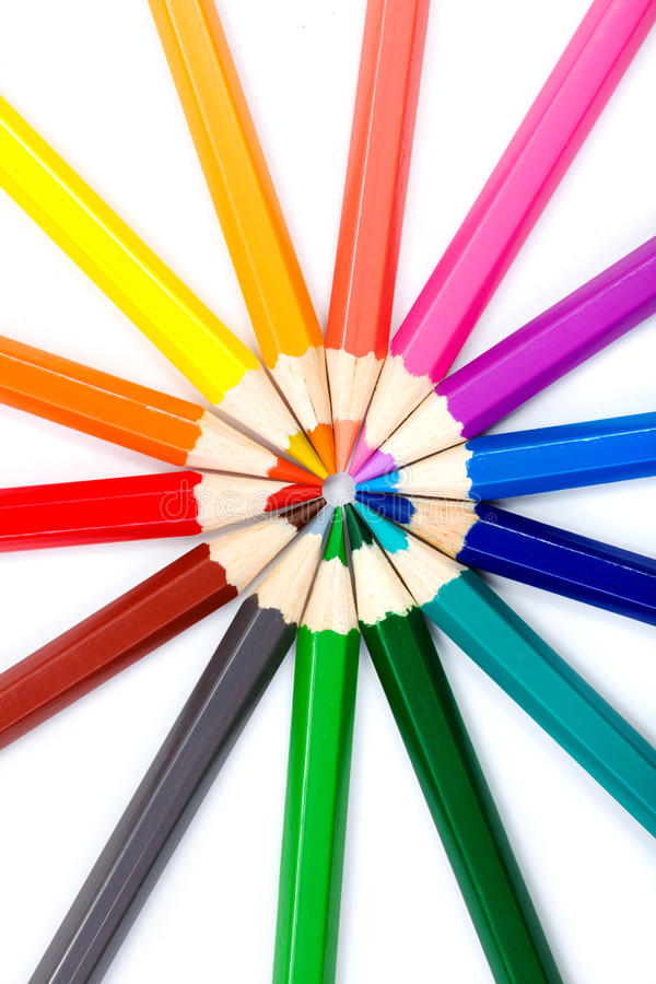 Lápices coloridos en el arreglo radial fotos de archivo libres de regalías