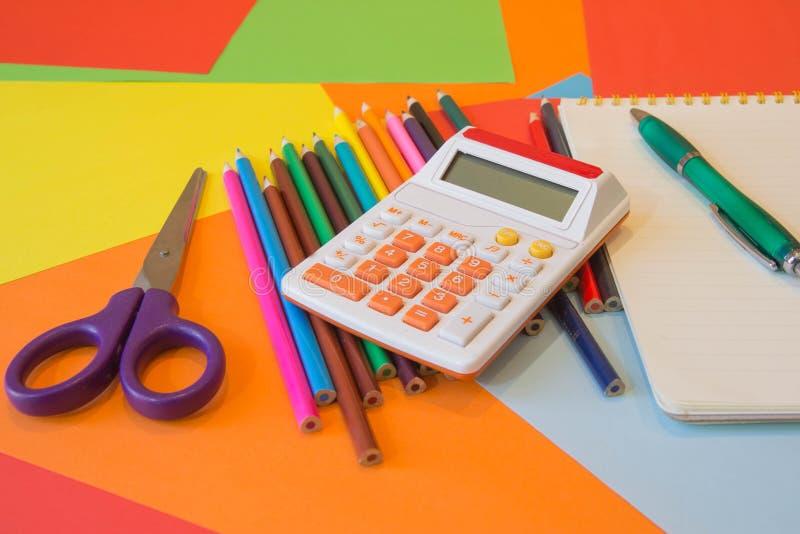 Lápices de los colores, coloridos muchos creyones variedad de color fotografía de archivo libre de regalías