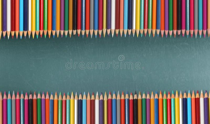 Lápices del color ilustración del vector