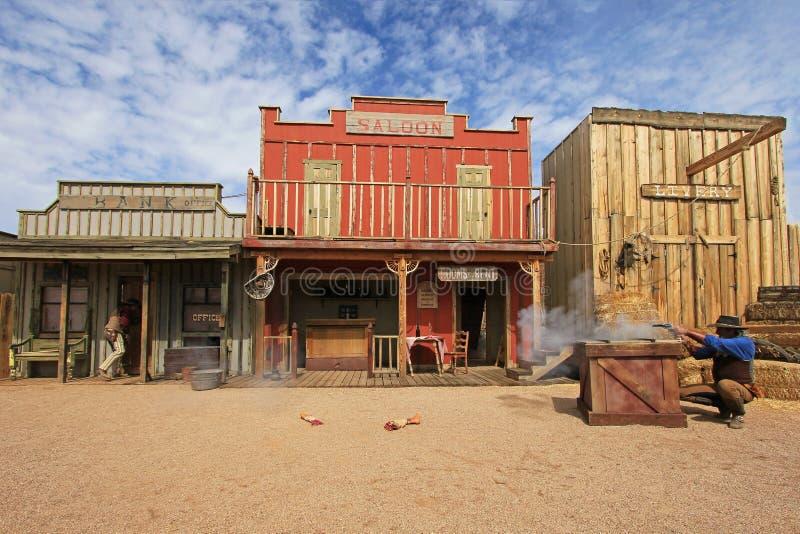 LÁPIDE, O ARIZONA, EUA, O 4 DE MARÇO DE 2014: Atores que jogam o O K Cerque o tiroteio da luta armada na lápide, o Arizona, EUA s fotos de stock royalty free
