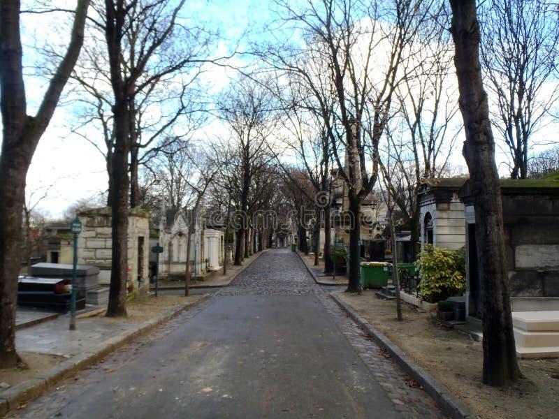 Lápides do cemitério de Montmartre foto de stock