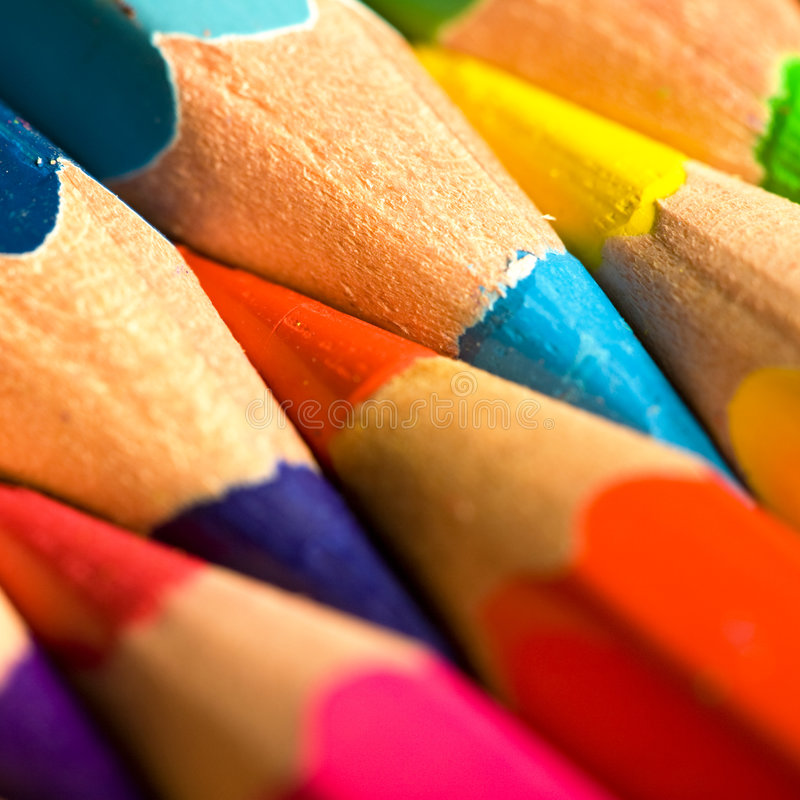 Lápis coloridos em uma fileira foto de stock
