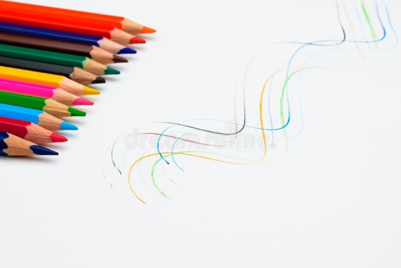 Lápis coloridos Sharpened imagens de stock