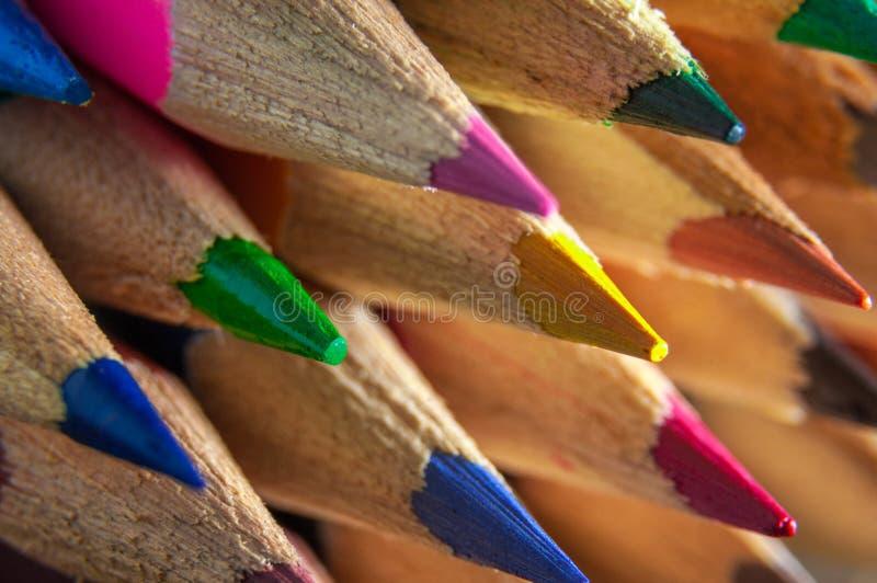 Lápis coloridos Sharpened imagens de stock royalty free