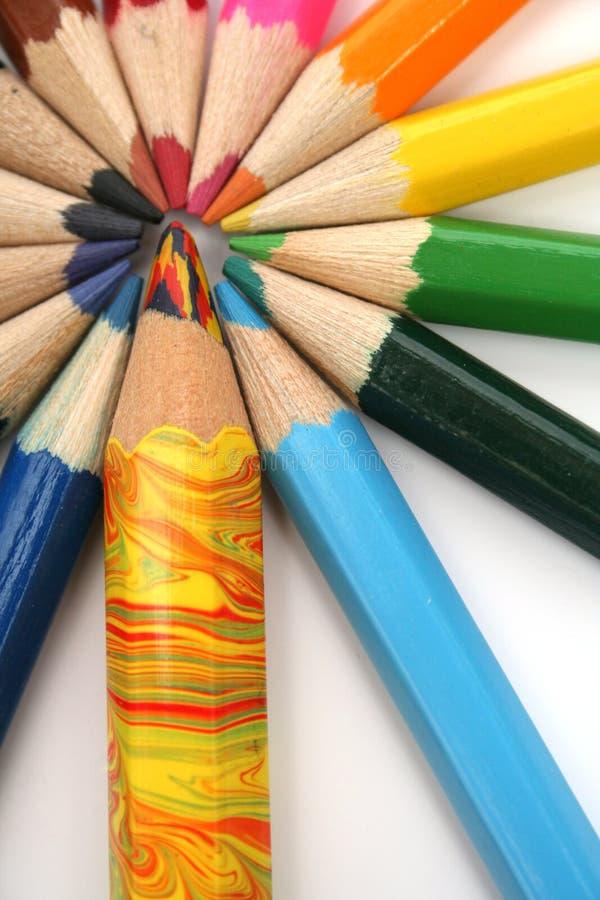 Lápis da cor ao redor do irmão multi-colour imagens de stock royalty free