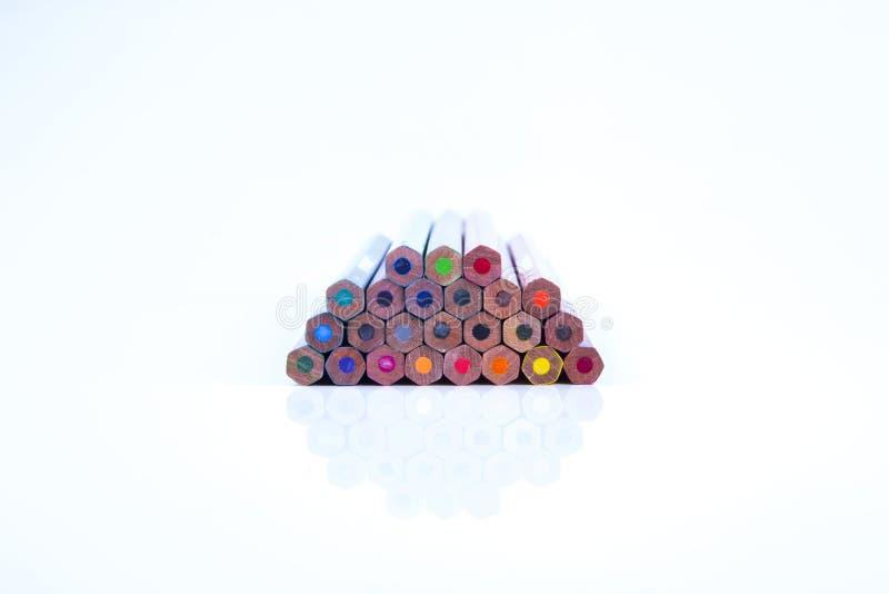 Lápis da cor isolados no fundo branco fotografia de stock royalty free